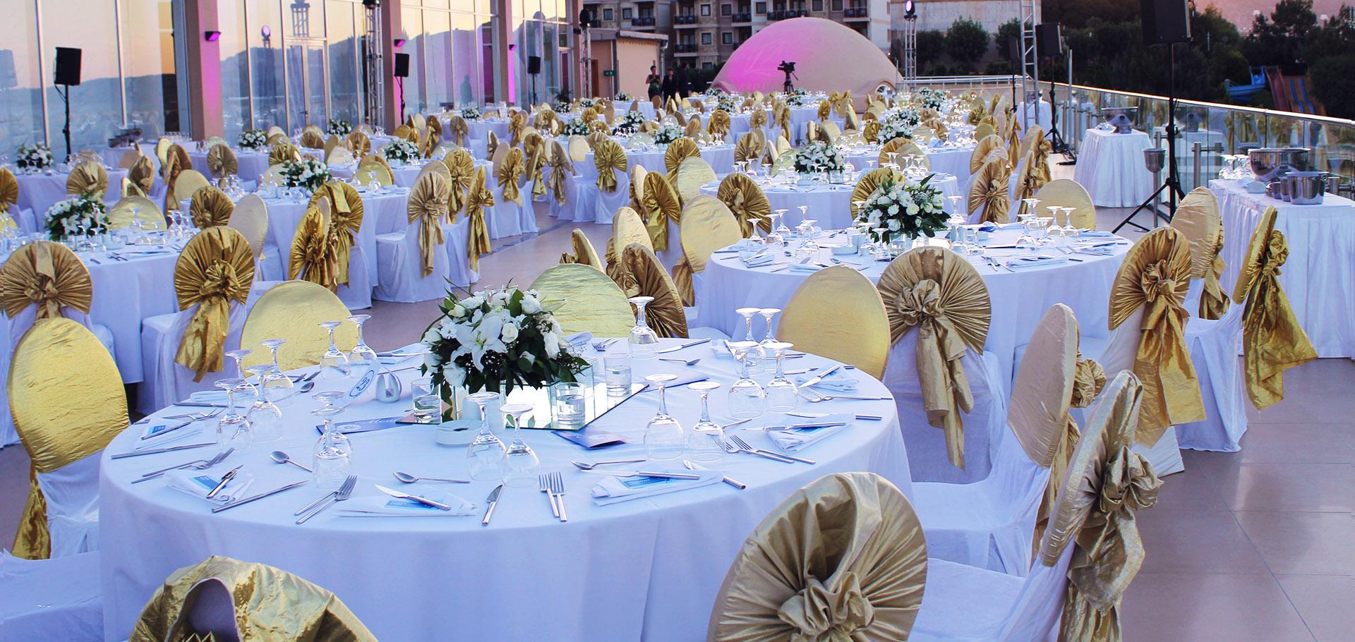 Międzynarodowe Szkolenie dla Liderów FM Group World - elegancja kolacja serwowana na tarasie