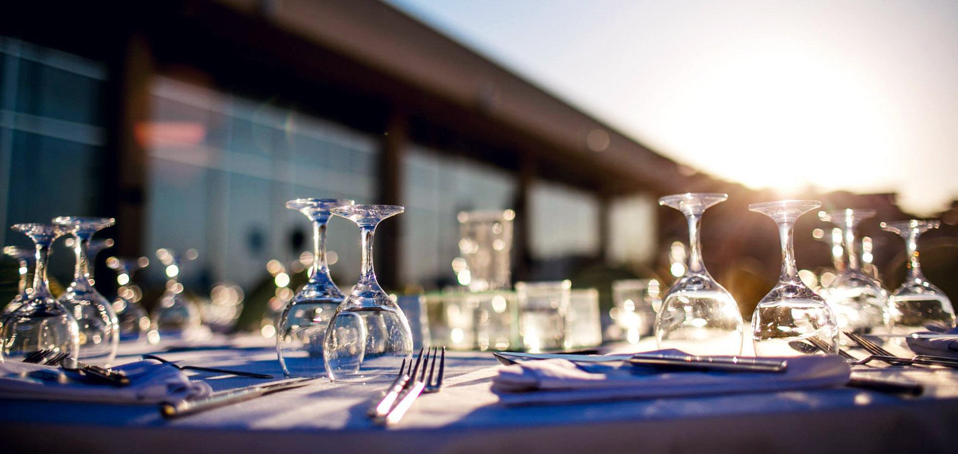 Międzynarodowe Szkolenie dla Liderów FM Group World - elegancja kolacja przy zachodzie słońca