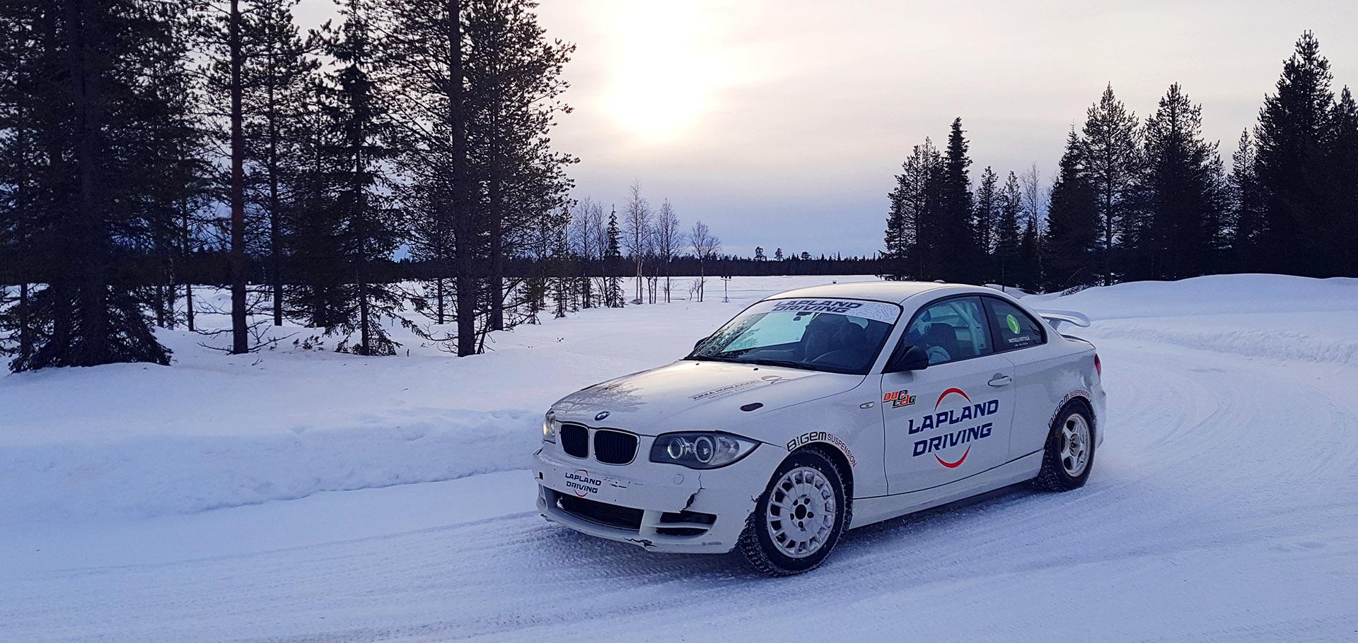Laponia - rajd tuningowanymi sportowymi samochodami