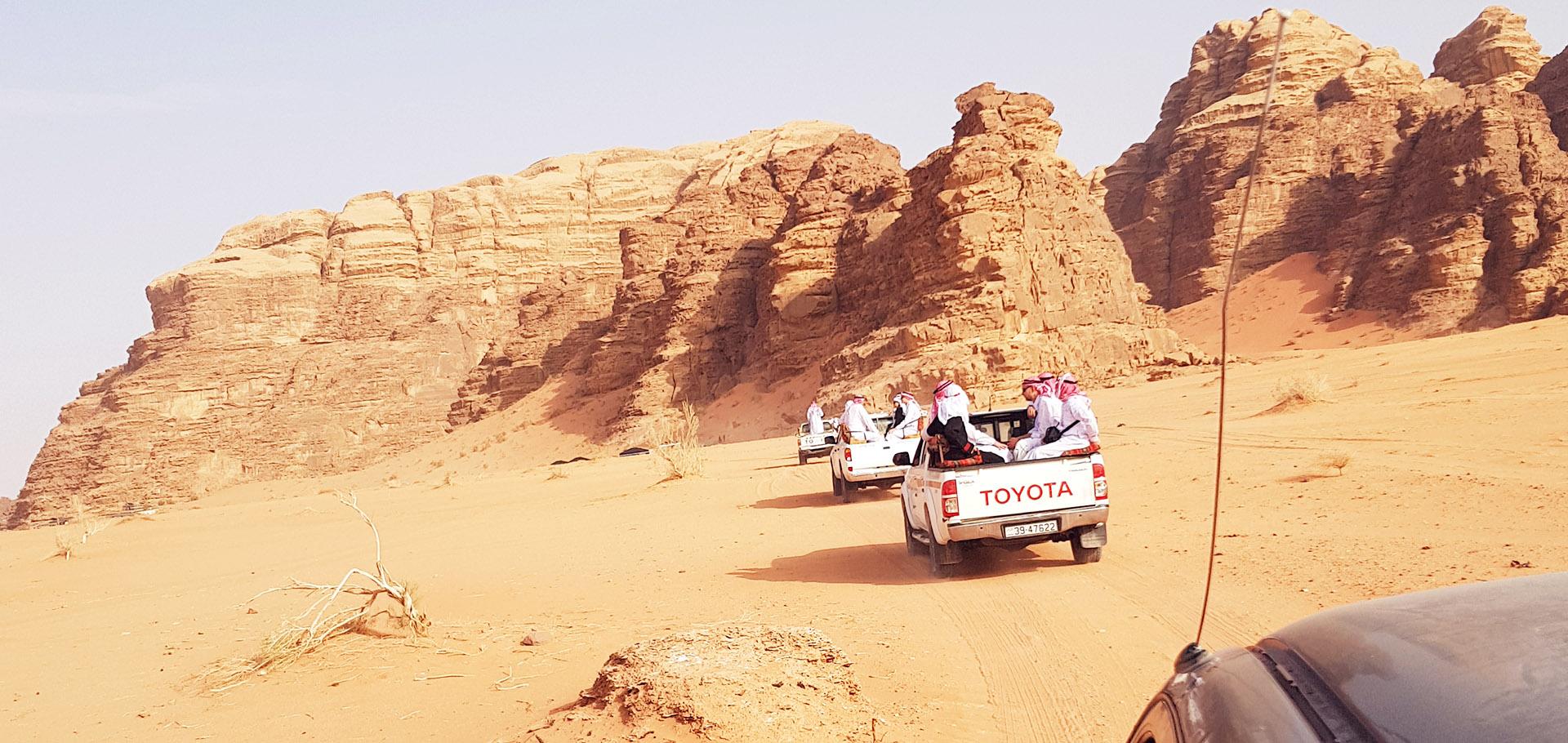 Jordania - Przejażdżka autami 4x4 po pustynii Wadi Rum
